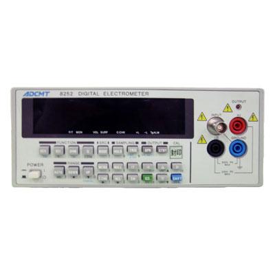 8252 デジタルエレクトロメータ