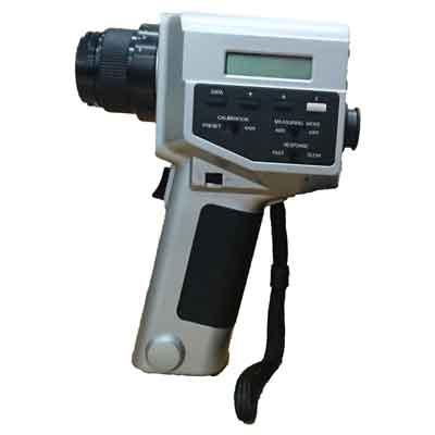 CS-100A デジタル色彩輝度計